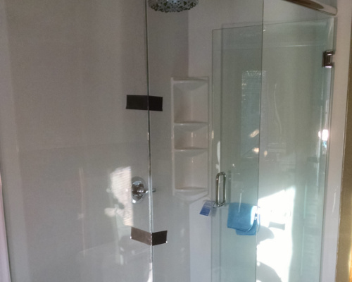 Residential Glass: Custom Shower